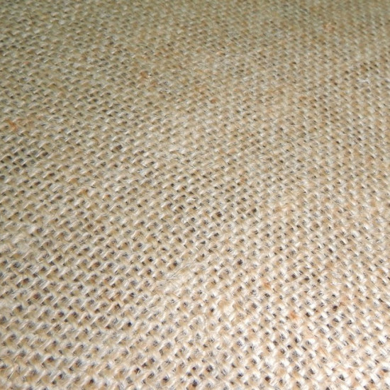 Tela Rollo Entero Arpillera Natural (25 metros) - TELA ARPILLERA ROLLO ENTERO de 25 metros El precio de cada metro de tela: 3,40€ (en lugar de 4,50€) La arpillera es un tejido hecho con yute y también es conocido como tela de saco.